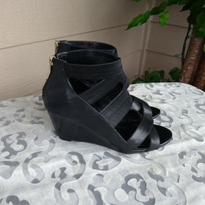 🎇 Clearance 🎇BCBGeneration Sandal - size 8